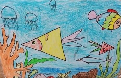 可爱的海底世界儿童蜡笔画